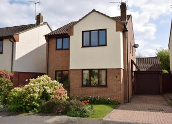 Thumbnail 4 bedroom detached house for sale in Kingfisher Way, Kelvedon, Colchester