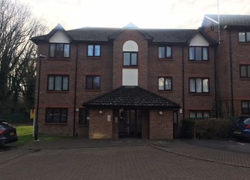 Thumbnail 1 bed flat to rent in Littlebrook Avenue, Slough