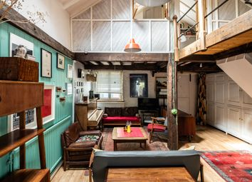 Canning Cross, London SE5. 2 bed mews house for sale