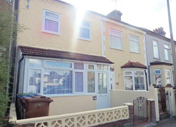 3 bed terraced house to rent in Grove Road, Grays RM17