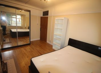 Room to rent in Tilehurst Road, London SW18