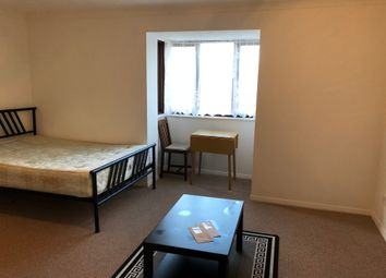 Thumbnail Studio to rent in Ainsley Close, London