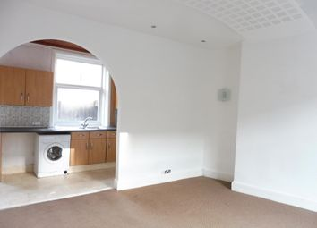 2 bed property to rent in Unity Terrace, Halifax HX1