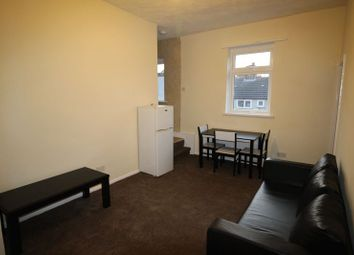Thumbnail 1 bed flat to rent in Chalvey Road East, Slough