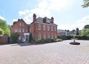 Thumbnail 6 bed property to rent in Court Road, London