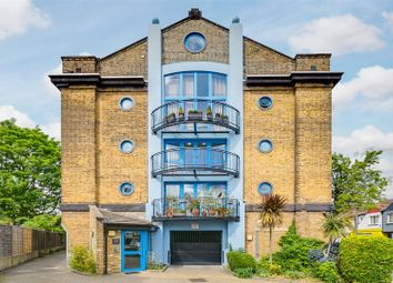2 bed flat for sale in Acton Lane, London W4