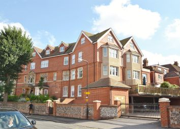 2 bed flat to rent in Old Orchard Road, Saffrons, Eastbourne BN21