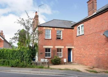 Petworth Road, Witley, Godalming GU8. 2 bed maisonette