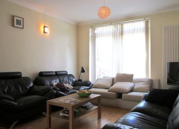 Thumbnail 3 bed flat to rent in Englefield Road, London