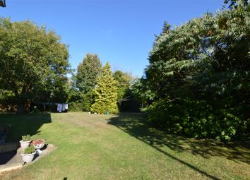 Thumbnail 3 bed flat for sale in Oakwell Close, Dunstable