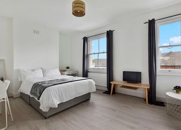 5 bed shared accommodation to rent in Stanley Grove, London SW8