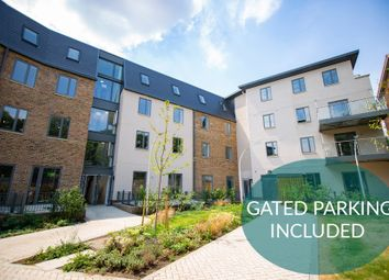 Thumbnail 3 bedroom flat for sale in Scotland Green, London
