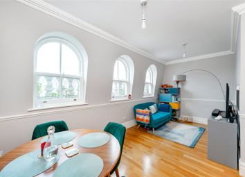 2 bed flat to rent in Cambridge Gardens, London W10