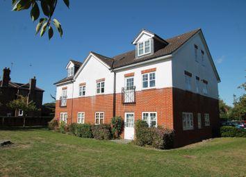 Thumbnail 2 bedroom flat to rent in Kingsway, Woking