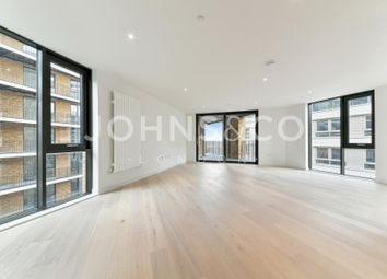Thumbnail 3 bed flat to rent in Masthead House, Royal Wharf