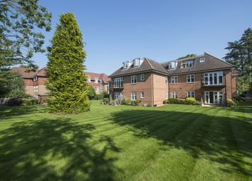 Thumbnail 2 bed flat to rent in Lawnswood, Station Road, Beaconsfield