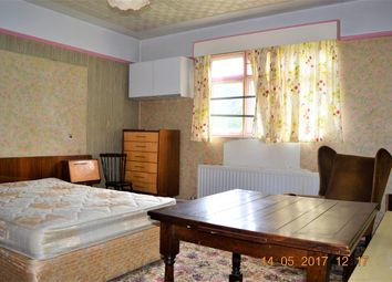 Thumbnail Room to rent in Ambleside Avenue, Tooting