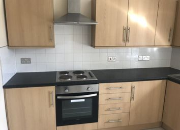 Thumbnail 3 bed flat to rent in Cranbourne Street, Hull