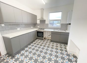 Thumbnail 3 bed maisonette to rent in Chatsworth Road, Hackney