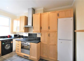 3 bed maisonette to rent in Myddleton Road, Wood Green, London N22
