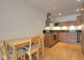 2 bed flat to rent in Projection West, Merchants Place, Reading, Berkshire RG1