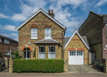 Thumbnail 4 bed detached house for sale in Walton Road, Hoddesdon, Hertfordshire