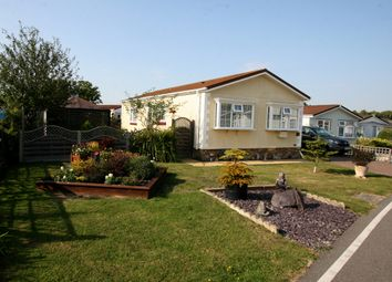 2 bed mobile/park home for sale in Willow Way, Biddenden TN27