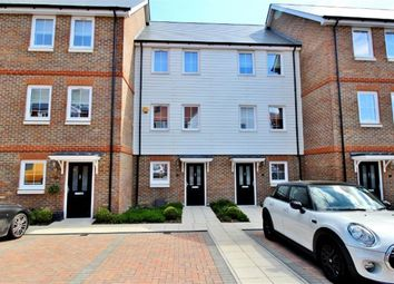 Thumbnail 3 bed town house to rent in Mere Road, Dunton Green, Sevenoaks