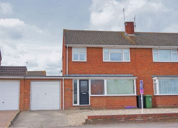 3 Bedrooms Semi-detached house for sale in Thames Avenue, Swindon SN25