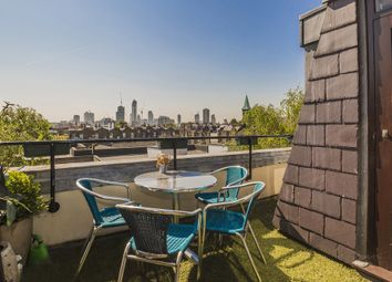 Thumbnail 2 bed flat for sale in Islington Green, London