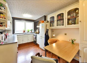 Thumbnail 2 bedroom flat to rent in Parnell Road, London