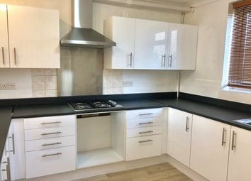 2 bed maisonette to rent in Whalebone Lane South, Chadwell Heath, Romford RM6