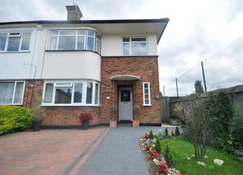 2 bed maisonette to rent in Holwell Place, Pinner, Middlesex HA5