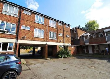 Thumbnail 1 bed flat to rent in Trent Road, Luton