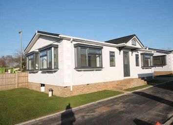 Thumbnail 2 bed mobile/park home for sale in Hill Corner Farm Park, Sandy Lane, Farnborough