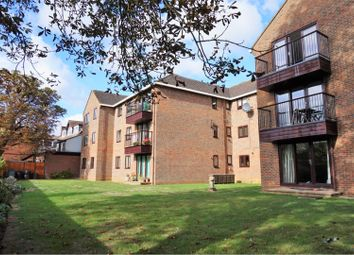 Thumbnail 3 bed flat for sale in Hernes Road, Oxford