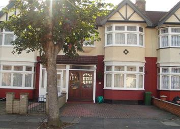 3 bed terraced house to rent in Southwood Gardens, Ilford IG2
