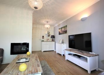 Thumbnail 1 bedroom flat for sale in Marina Approach, Yeading, Middlesex