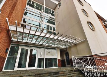 2 bed flat to rent in Taliesin Court, Chandlery Way, Cardiff CF10