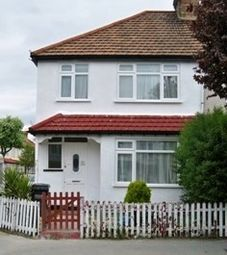 Thumbnail Property to rent in Harcourt Road, Thornton Heath
