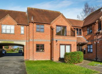 Thumbnail 2 bed flat for sale in Field Gardens, Steventon, Abingdon