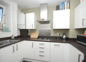 Thumbnail 2 bed flat to rent in Rockingham Street, Elephant & Castle