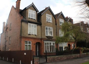 Thumbnail 2 bed flat to rent in Beauchamp Avenue, Leamington Spa