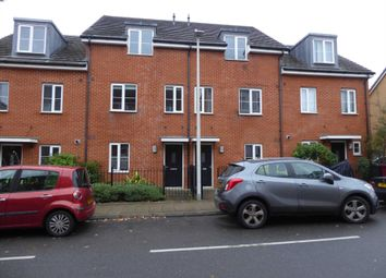 Thumbnail 4 bed detached house to rent in Gweal Avenue, Reading
