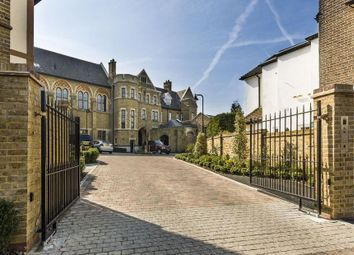 2 bed flat for sale in Havanna Drive, London NW11
