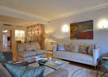 Thumbnail 4 bed flat to rent in Devonshire Place, Marylebone, London