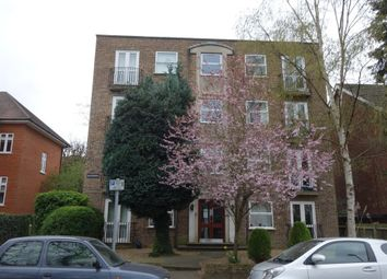 Thumbnail 1 bed flat to rent in St Andrews Square, Surbiton