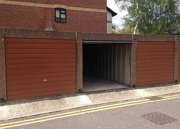 Thumbnail Property for sale in Saint Paul's Court, Reading