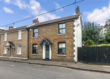 Villa Road, Higham, Rochester, Kent ME3. 3 bed end terrace house