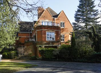Thumbnail 3 bedroom flat to rent in Warren Road, Coombe, Kingston Upon Thames